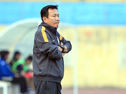 HLV Hoàng Văn Phúc: 'QNK Quảng Nam có nhiều mục tiêu quan trọng hơn Top 6'