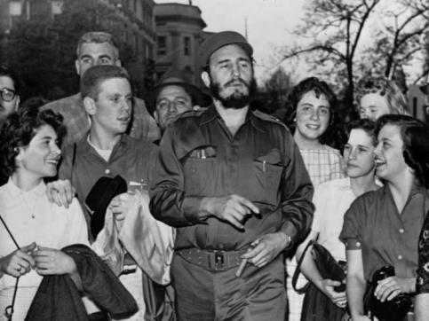 Ngắm lại những bức ảnh đầy hào sảng của Fidel Casto trên đất Mỹ 56 năm trước