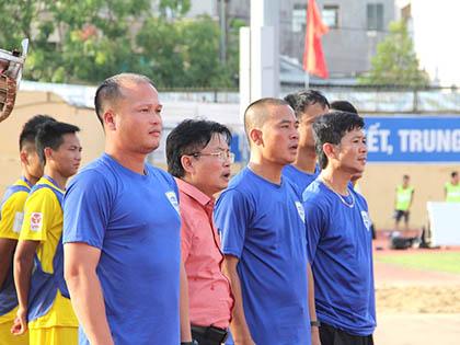 HLV Hoàng Thanh Tùng: 'Còn sớm để Thanh Hóa nói về chức vô địch'