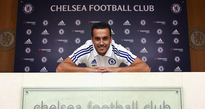 Vụ chuyển nhượng Pedro đến Chelsea đã cứu một CLB thoát khỏi nguy cơ phá sản