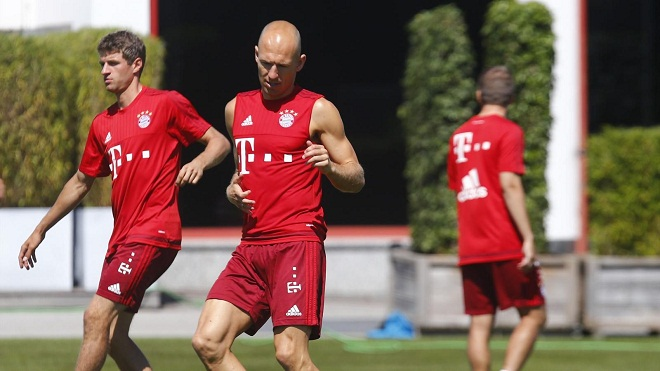 Robben: Mueller rất quan tâm tới Man United