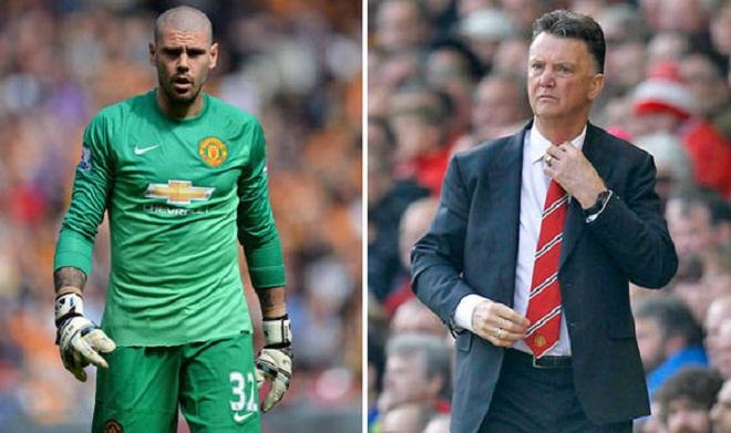 Bán nốt Evans và Valdes, Man United đóng cửa chuyển nhượng?