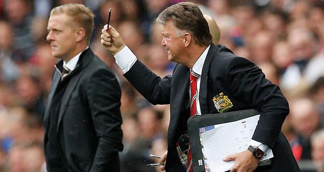 Man United thua trận, Louis van Gaal nổi giận vô cớ với phóng viên
