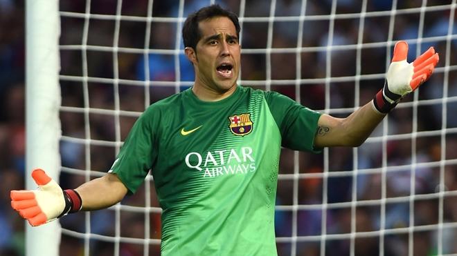 CĐV Barca lại phải lo lắng vì chấn thương của Bravo