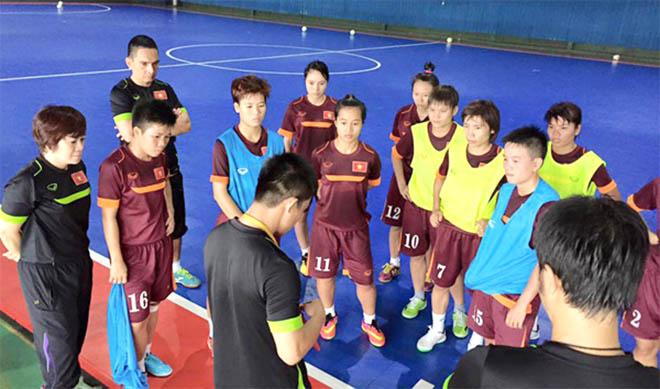 Futsal nữ Việt Nam chính thức thử lửa