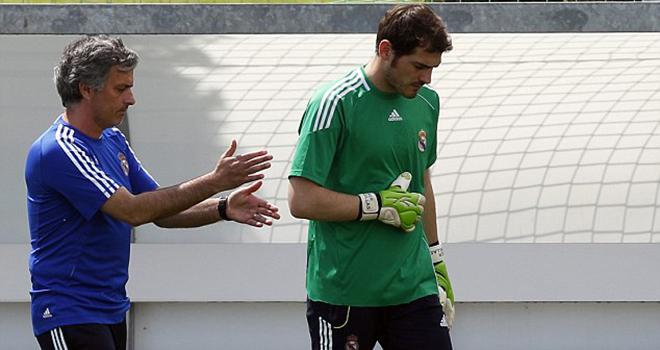 Mối quan hệ giữa Casillas và Mourinho đã đổ vỡ như thế nào?