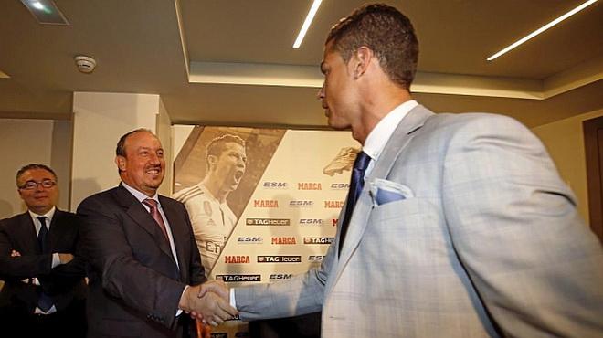 Benitez: 'Chính tôi đấu tranh giữ Ramos ở lại. Real sẽ vô địch Liga'