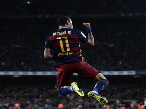 Cha Neymar: 'Con tôi hạnh phúc ở Barca nhưng chúng tôi không muốn gặp rắc rối với tòa án'