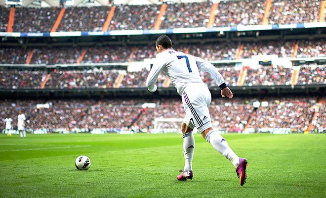Cristiano Ronaldo lại phải tập đá phạt chăm hơn