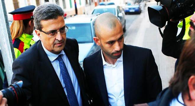 Chỉ mất vài phút ở tòa án, Javier Mascherano thừa nhận đã trốn 1,5 triệu euro tiền thuế
