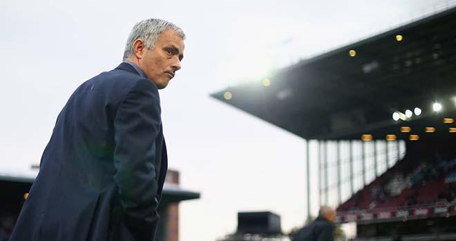 Sa thải Mourinho có phải giải pháp tối ưu cho Chelsea?
