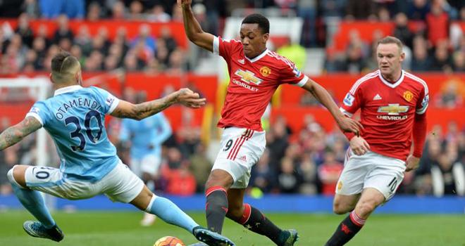 Man United: Tại sao Anthony Martial hay nhất khi đá cánh?