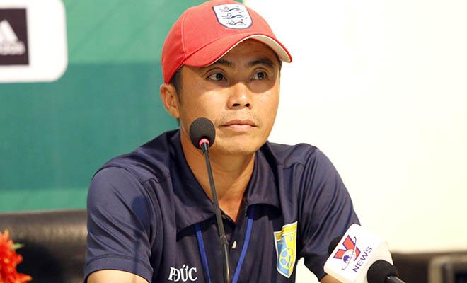 HLV Phạm Minh Đức: 'Cầu thủ chuyên nghiệp phải có chiều cao tốt'