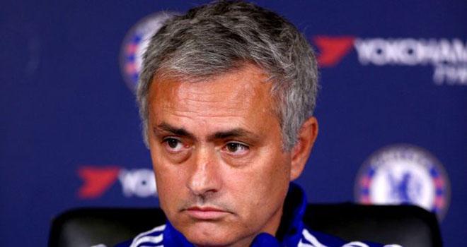 Jose Mourinho còn 2 trận để tự cứu lấy mình