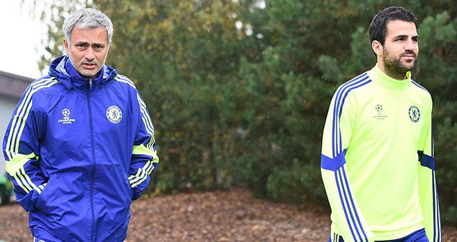 TIẾT LỘ: Fabregas cầm đầu nhóm cầu thủ 'làm phản' Mourinho