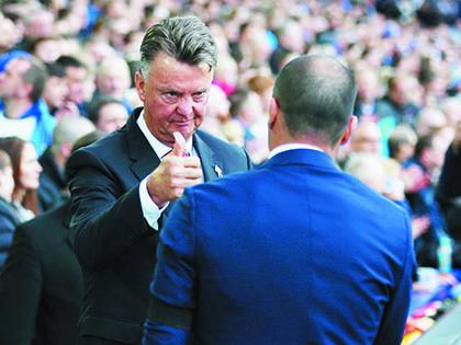 Man United: Không có chuyện Van Gaal thay đổi!