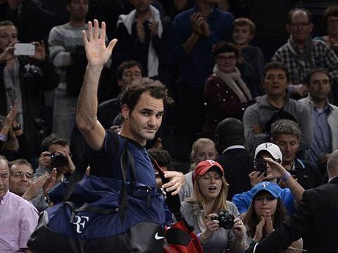 Isner giành 27 cú aces, đánh bay Roger Federer khỏi Paris Masters
