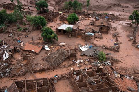 Chùm ảnh: Thảm cảnh vỡ đập ở Brazil nhìn từ trên cao