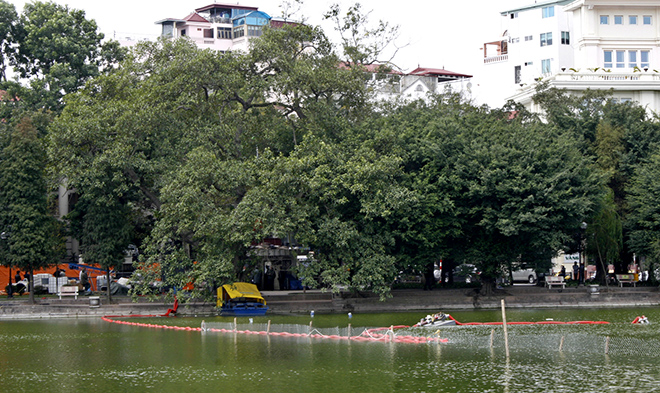 Chống ô nhiễm Hồ Hoàn Kiếm: Hút bùn bằng công nghệ Đức, đổ nước sạch vào hồ