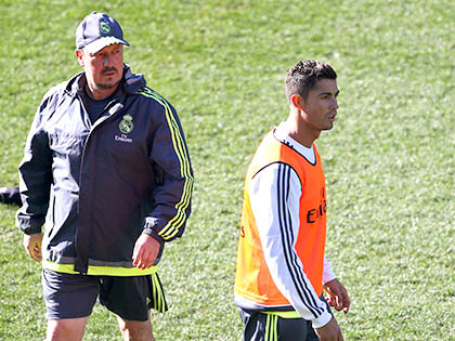 Hướng tới 'Kinh điển' Real Madrid - Barcelona: Không được ủng hộ, Benitez sao làm tốt được?