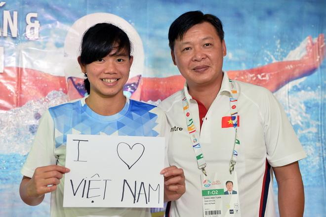 HLV Đặng Anh Tuấn: 'Giá mà tôi được gặp Ánh Viên sớm hơn'