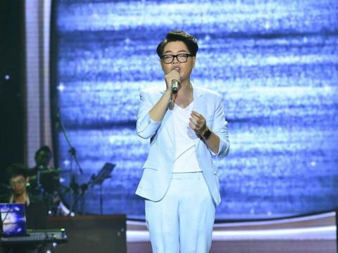 Bài hát Việt tháng 11: Đức Phúc chiến thắng nhờ 'Chỉ một câu' của Phạm Toàn Thắng