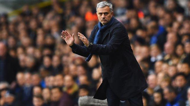 Mourinho: 'Đáng lẽ Diego Costa ngồi dự bị từ lâu rồi'