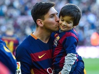 Messi được bầu là Cầu thủ xuất sắc nhất mọi thời đại, Cristiano Ronaldo đứng thứ hai