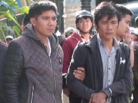 VIDEO: Bắt nhóm đối tượng dàn cảnh cướp tiền của nhà xe