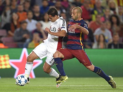 Niềm hy vọng của Leverkusen: Barca có cản được Chicharito?
