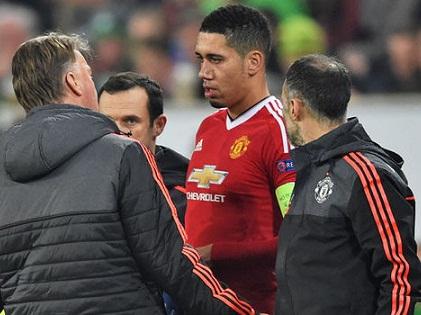 Man United nhận hung tin từ Darmian và Smalling