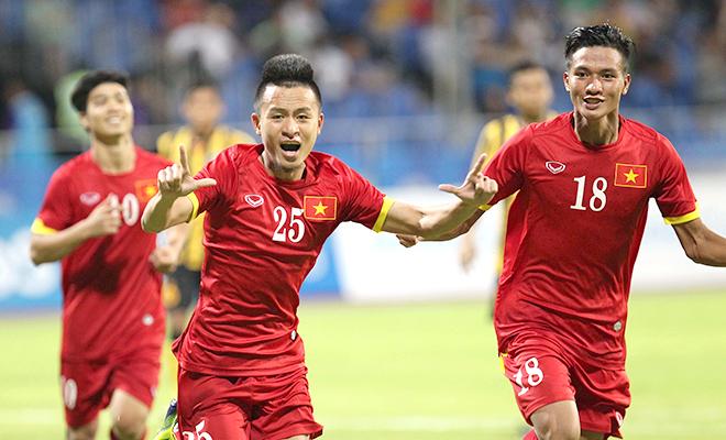 U23 Việt Nam 'sống chung với lũ'