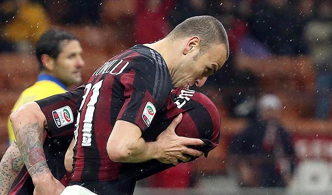AC Milan vẫn đợi bình minh