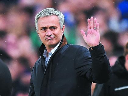 BÌNH LUẬN: Jose Mourinho 'chết vì cái miệng'