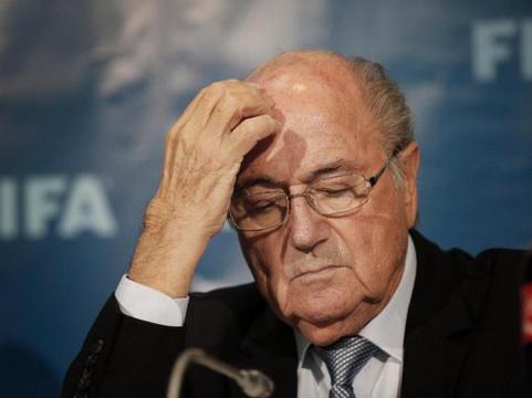 NÓNG: Sepp Blatter và Michel Platini CHÍNH THỨC bị cấm hoạt động bóng đá 8 năm