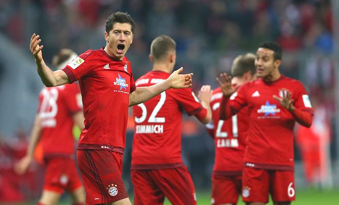 Bayern thống trị, Dortmund hồi sinh, món hời Chicharito