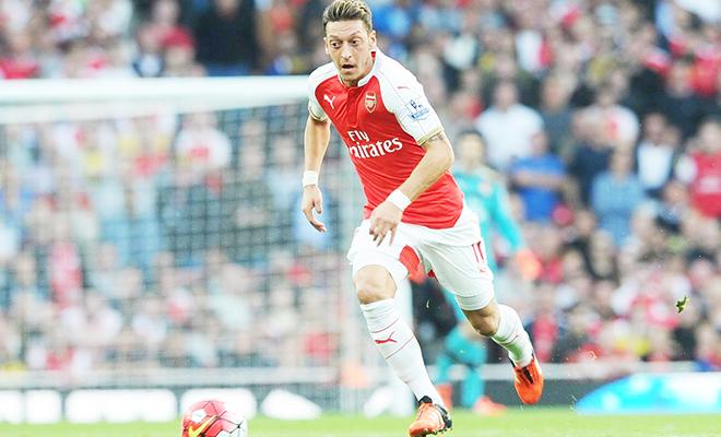 Mesut Oezil đã 'giải thoát' Arsenal như thế nào?