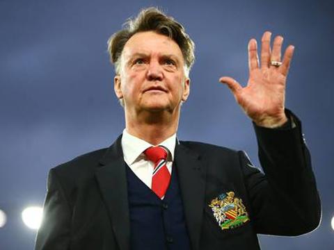 CHUYỂN NHƯỢNG ngày 30/12: Tuyển Hà Lan mời gọi Van Gaal. Barca bán sao cho Arsenal