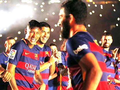 Với Turan và Vidal, sức mạnh của Barcelona vẫn là bí ẩn