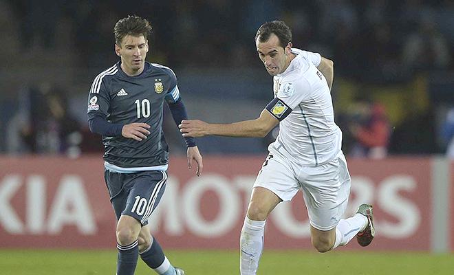Messi? Ronaldo? Cần có Quả bóng Vàng FIFA cho hậu vệ và thủ môn!