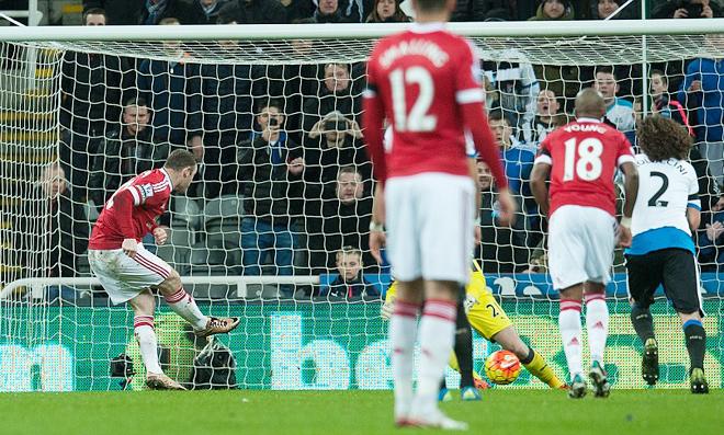 ĐIỂM NHẤN: Còn ai buồn ngủ khi xem Man United? Lingard là tia hy vọng cho Van Gaal