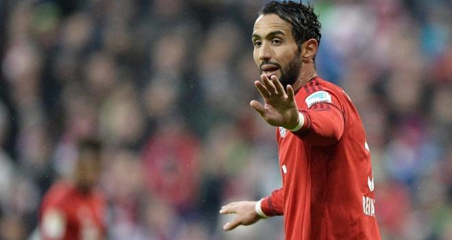 Bảng lương của Benatia bị phát tán, Bayern Munich cầu cứu cảnh sát