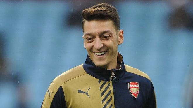 CẬP NHẬT tin tối 21/1: Oezil, Sanchez trở lại. Valdes rời Man United. Chelsea hỏi mua Mahrez