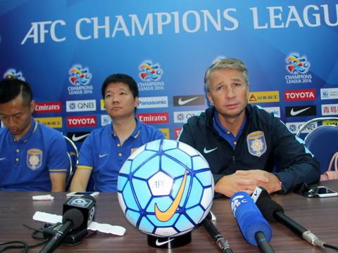 HLV Dan Petrescu: 'Ramires đá chính, Jiangsu Suning sẽ đánh bại B.Bình Dương'