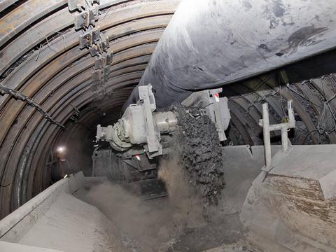 Cháy nổ mỏ than ở Nga, 26 người đang mắc kẹt ở độ sâu 780m