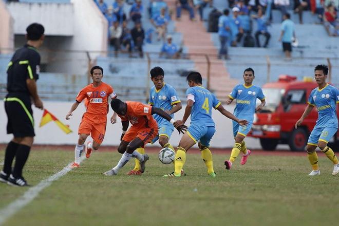 Hải Phòng và Đà Nẵng thắng trận thứ 3 liên tiếp, SLNA có điểm đầu tiên