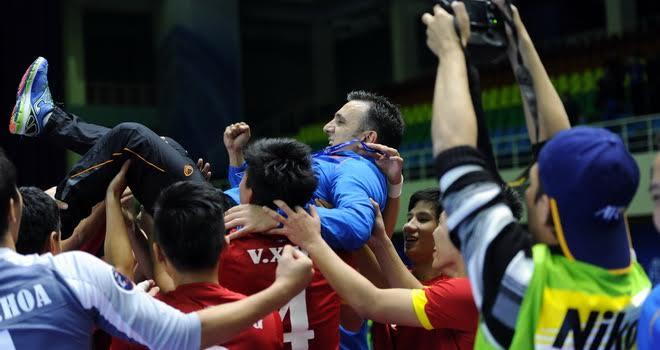 Futsal Việt Nam mơ tạo bất ngờ tại World Cup, Quế Ngọc Hải đá chính trận gặp B.Bình Dương