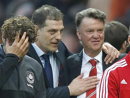 Man United: Van Gaal cần danh hiệu làm bia đỡ đạn