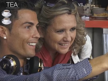 Khổ như Ronaldo, đi uống trà cũng bị CĐV làm phiền