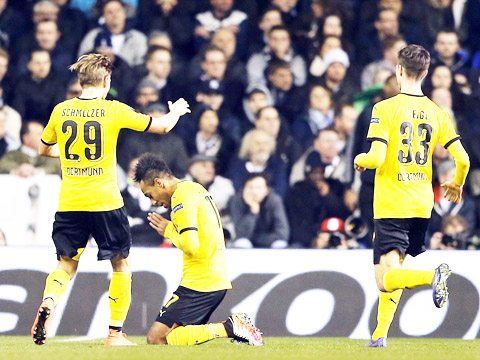 """Tottenham 1–2 Dortmund (chung cuộc 1-5): """"Người dơi"""" Aubameyang lại tỏa sáng, Dortmund là ứng viên số một"""